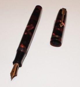 Vintage Parker Vacumatic Junior Burgundy Marble Fountain Pen