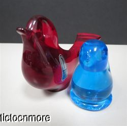 Titan Art Glass Blue Bird Leo Ward 1991 Red Pilgrim Glass Robin