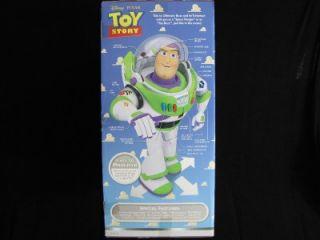 Disney Pixar Ultimate Buzz Lightyear Giant Robot 16