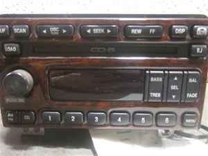 03 Lincoln Aviator 6 Disc CD Player Radio Woodgrain
