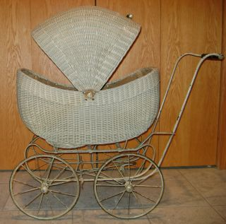 Vintage, Antique 1920s or 1930s Wicker Baby Doll Carriage Buggy good