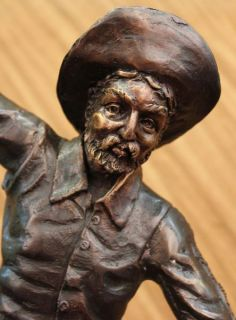 Popular Remington Down Hill Cowboy with Gun Bronze Sculpture Statue