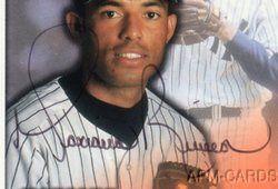Mariano Rivera 1998 Donruss Studio NY Yankees WS MVP on Card Auto SP