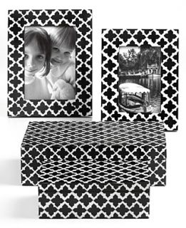 Purva Gifts, Black and White Quatrefoil Collection