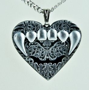 Gothic Bat Vampire Fang Heart Necklace Deadly Teeth Metal Doom Lestat