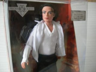 MICHAEL JACKSON   BLACK or WHITE SINGING DOLL   MIB   STREET LIFE