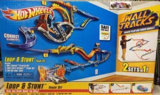 Features of Mattel Hot Wheels Wall Tracks Loop & Stunt Track Set