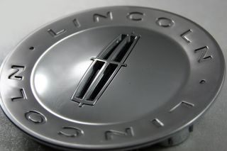 Satin Chrome Lincoln Navigator Plastic Center Cap Part 7L74 1A096 AB