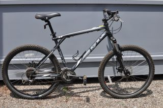 Used GT Avalanche 3 0 Disc Mountain Bike Large