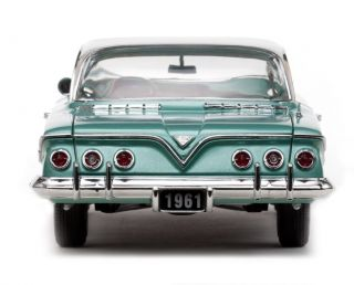 18 Sun Star 1961 Arbor Green Chevrolet Impala Sport Coupe with A 409