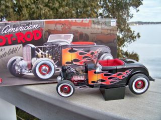 18 Acme Flamed 1932 Ford Flathead Roadster All American Diecast Car
