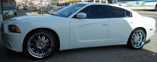 Menzari Z08 22 Chrome Rims Wheels Town Car 93 02 22 x 9 5 5H 18