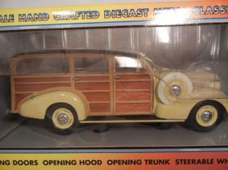 Motor City Classic 39 Chevy 1939 Chevrolet Woody Wagon 1 18 Diecast