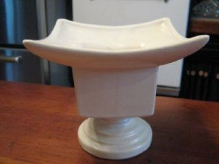 Vtg USA McCoy Matte White Pedistal Style Base Pottery Planter Vase