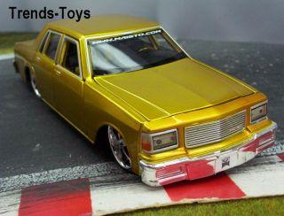 MAISTO 07169 124/26 1987 Chevrolet Caprice gold