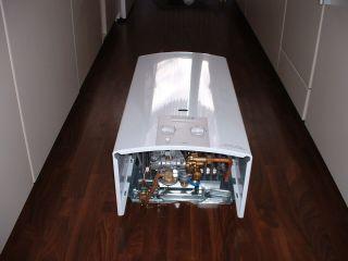 Vaillant MAG 14 0 XZ H Gas Durchlauferhitzer Kaminanschluß Erdgas
