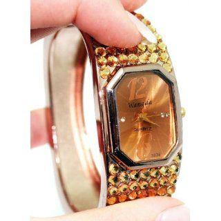 Spangenuhr für Damen Designeruhr Quartzuhr in Gold