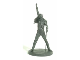 QUEEN   FREDDIE MERCURY  STATUE   LOVER OF LIFE SINGER OF SONGS