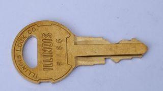 Rock Ola Jukebox Cabinet Master Key   F486