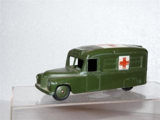 Dinky Toys 624 Daimler Ambulance Diecast Metal Toy Car Meccano