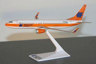 FlugzeugModell   Hapag Lloyd   Kreuzfahrten   Boeing 737 800   1:200