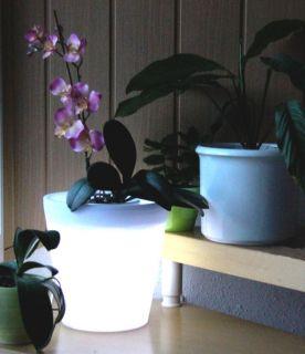 Solar LED Pflanzkübel Blumentopf Kunststoff weiß Ø28cm