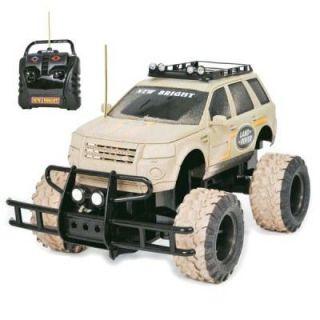 Créations   Voiture radiocommandée   Land Rover 4X4  Echelle 1/15