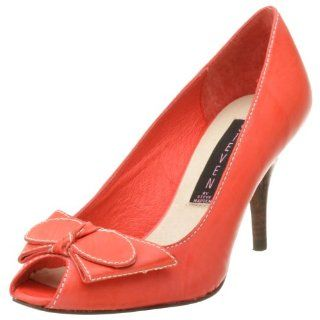 by Steve Madden Womens Knockout Pump,Coral Leather,6.5 M Shoes