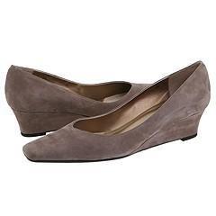 Vaneli Amira Taupe Ras Kid Pumps/Heels