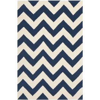 Handmade Chevron Dark Blue/ Ivory Wool Rug (6 x 9)