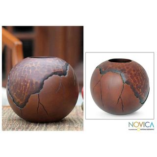 Handcrafted Mango Wood Prehistory Vase (Thailand)
