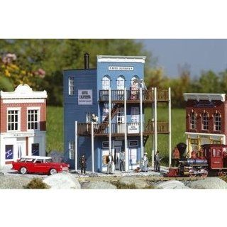 HOTEL CALIFORNIA   PIKO G SCALE MODEL TRAIN BUILDINGS