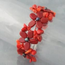 Red Coral and Black Pearl Flower Garland Bracelet (5 6 mm) (Thailand