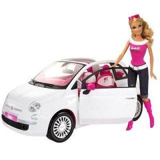 Barbie et sa Fiat 500_x000Dx000D_Barbie possède une Fiat 500