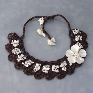 Cotton Mother of Pearl Flower and Pearl Collar Necklace (3 6 mm