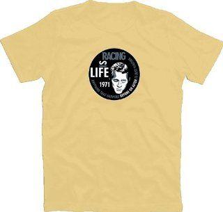 Steve   Life is Racing T Shirt: Bekleidung