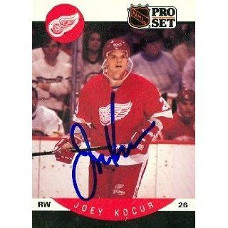 Joey Kocur autographed Hockey Card (Detroit Red Wings) 1990 Pro Set
