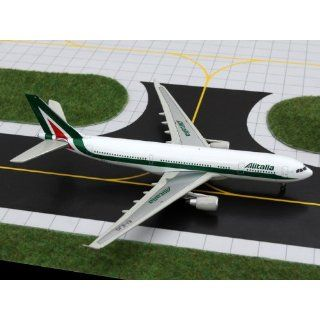 Gemini Jets Alitalia A330 200 Model Airplane: Everything