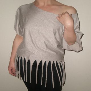Arty Womens Ivory/Cream Fringed Off the Shoulder Top
