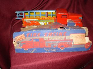 Wyandotte Toys Pressed Steel Fire Engine Co No 1 Truck Ladders w BOX