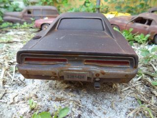 18 1970 Dodge Charger Fast and Furious Unrestored Junker Diorama